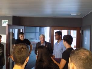 Pedro Miguel Echenique dando una pequeña charla sobre ciencia
